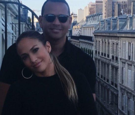Jennifer López y Alex Rodríguez presumen su amor en París