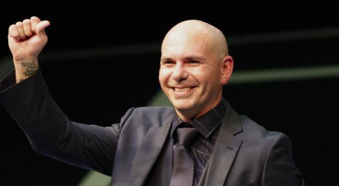 Pitbull podría aparecer en el intermedio de la Super Bowl